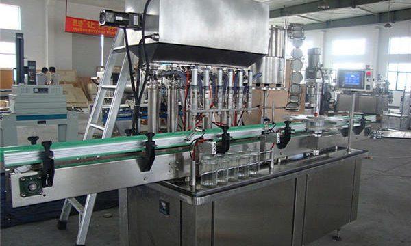 Volautomatische tomatenketchup vulmachine