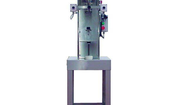 Semi-automatische spindelflesafdekkingsmachine